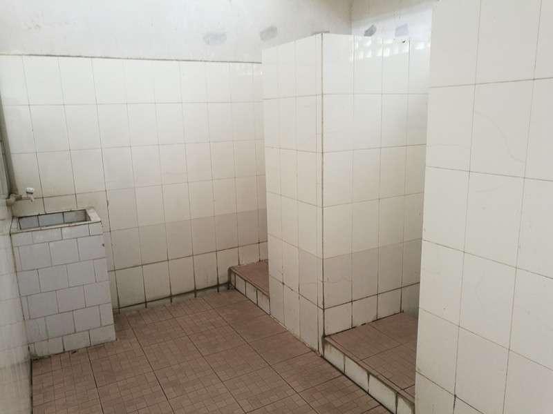 中国の扉がないタイルづくりのニーハオトイレ