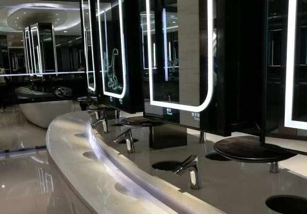 広州のヒルトンのトイレの手洗い場